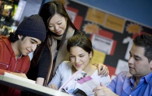Nhận 50% học bổng của tập đoàn giáo dục Cambridge
