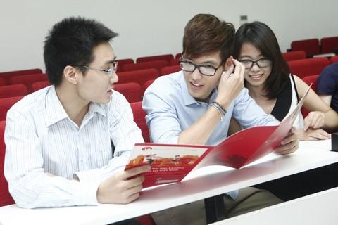Học ở Việt Nam vẫn lấy được bằng Anh quốc