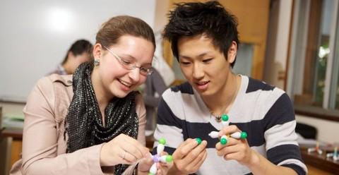 Cơ hội nhận học bổng lớn đi du học Anh với GCSE