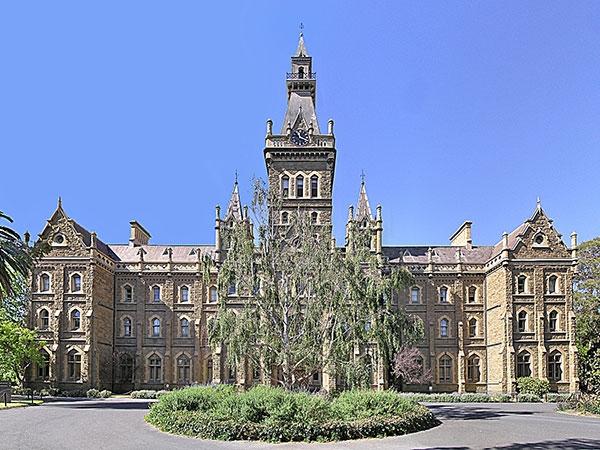 Lợi Thế Khi Học Tại Hai Trường Nổi Tiếng Australia