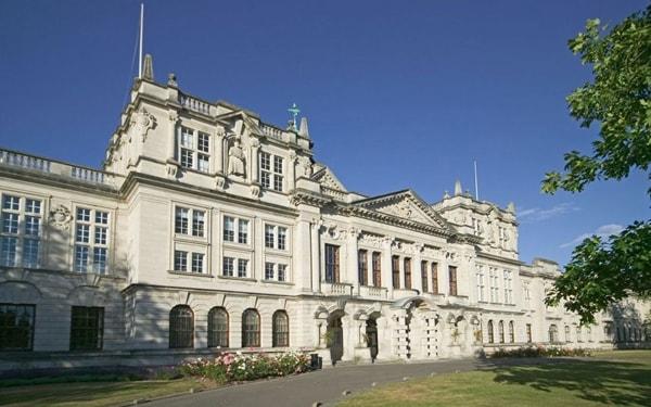 Khám Phá Bristol – Ngôi Trường Hàng đầu Vương Quốc Anh