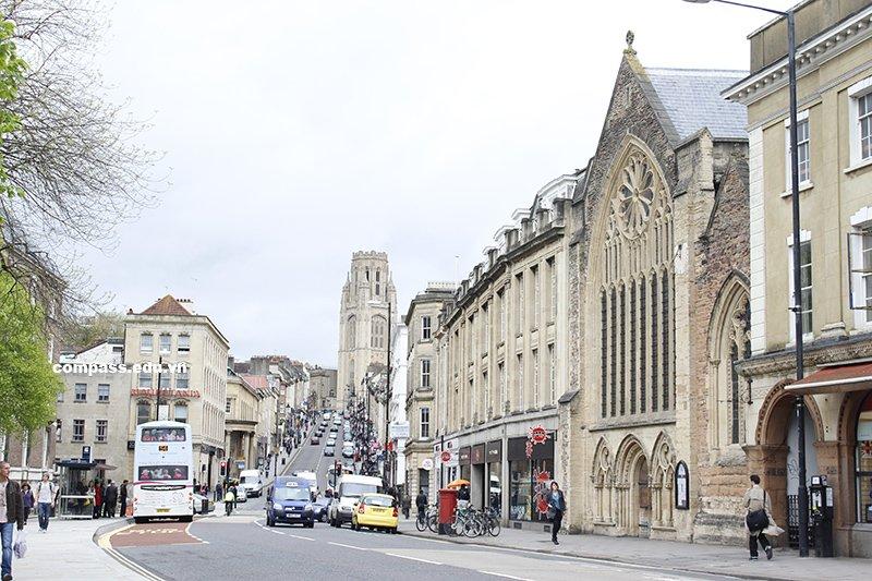 Khám phá Bristol - ngôi trường hàng đầu Vương quốc Anh