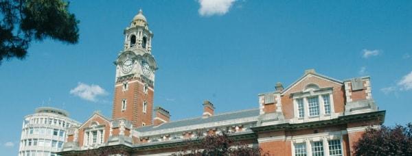 Tìm hiểu về trường cao đẳng Sussex down tại Anh