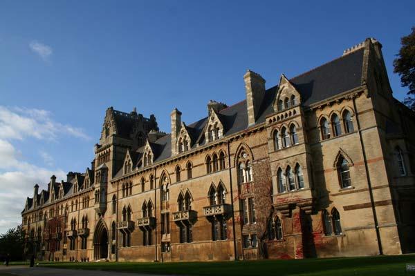 Các trường đại học ngành y dược nổi tiếng nhất nước Anh 2