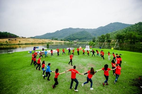 Tham gia các hoạt động tập thể, vui chơi, giải trí cũng là cách hữu hiệu để giảm áp lực cho học sinh đang ôn thi đại học