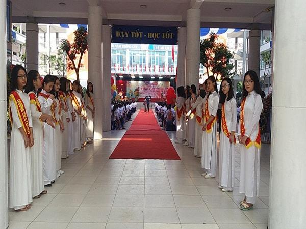 Trường THCS Cầu Giấy trang trọng trong ngày khai giảng