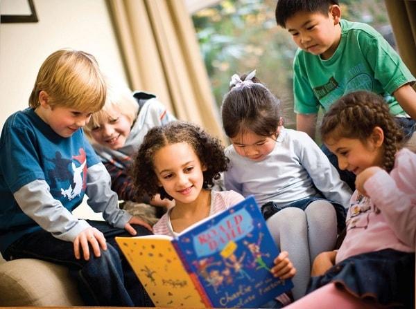 Học tiếng anh qua truyện tạo sự thích thú cho trẻ
