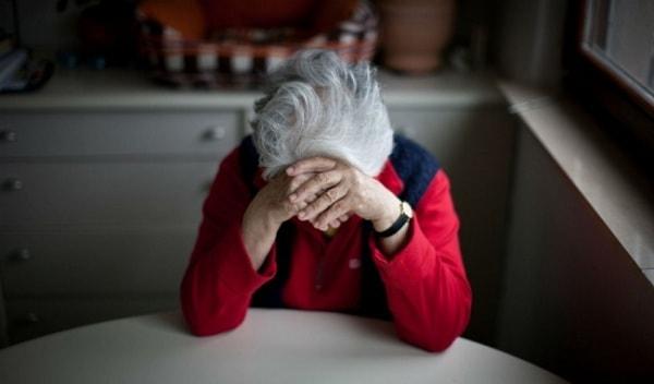 bệnh trầm cảm ở người già 2